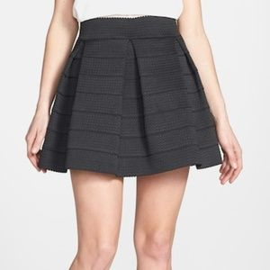 New Touch Me Devlin Bandage Pleated Skirt